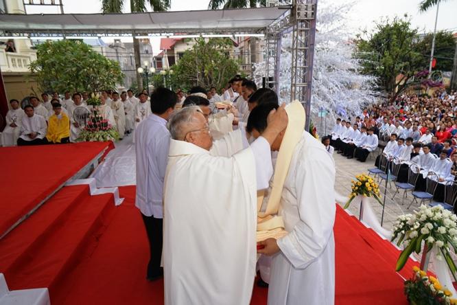 dsc08312 - Giáo phận Hải Phòng: Thánh lễ Truyền chức Linh mục 2018