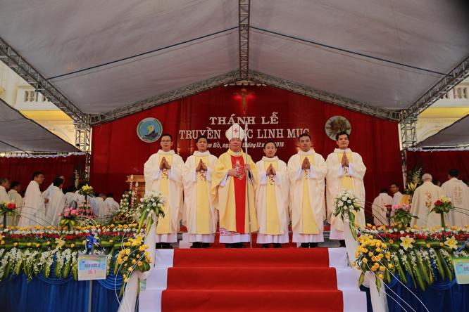 hdv 3005 - Giáo phận Hải Phòng: Thánh lễ Truyền chức Linh mục 2018